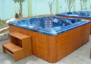 Tip-hot tubs & spas should be drained away from septic tank