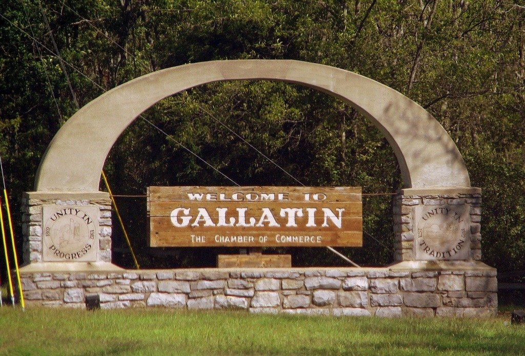 Welcome sign for Gallatin, TN
